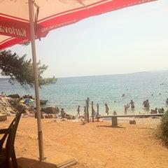 Photo taken at Plaža Frkanj by Misho G. on 8/14/2012