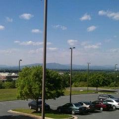 Photo taken at Wingate by Wyndham - Lynchburg by Dustin M. on 4/25/2012