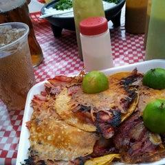 Photo taken at Tacos Palomo by Luis J M. on 7/12/2012