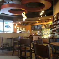 Photo taken at Starbucks (สตาร์บัคส์) by Supak L. on 5/29/2012