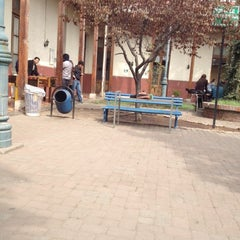 Photo taken at Le patio de obras by Yenifer O. on 4/4/2012