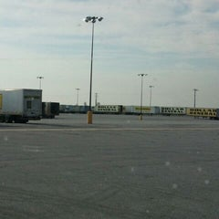 Photo taken at Dollar General Distribution Center by Legendary on 4/27/2012