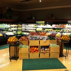 Photo taken at Wynn's Market by Fabio R. on 3/17/2012
