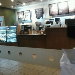 Photo taken at Starbucks by Richman S. on 6/12/2012