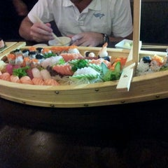 Photo taken at Sushi Temakeria Doo Doo by Paulo C. on 3/25/2012