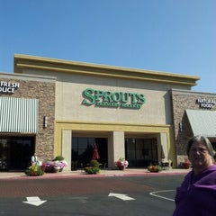 Photo taken at Sprouts Farmers Market by Carrie B. on 9/1/2012