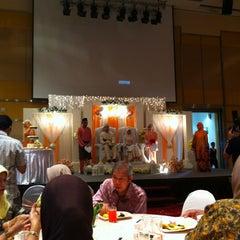 Photo taken at Dewan Seri Siantan by Amy M. on 4/8/2012