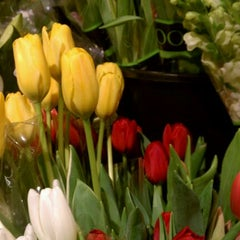 Photo taken at H-E-B plus! by 🍺🐻Joel🐻🍺 on 3/13/2012