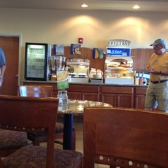 Photo taken at Holiday Inn Express & Suites Moses Lake by Gerard F. on 8/5/2012