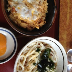 Photo taken at 山田うどん ふれあい通り店 by kikukids on 5/6/2012