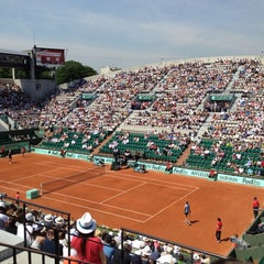 Photo taken at Court Suzanne Lenglen by Leslie on 5/27/2012