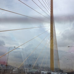 Photo taken at สะพานพระราม 9 (Rama IX Bridge) by Chotiwat M. on 5/26/2012