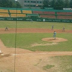 Photo taken at 청주종합운동장 야구장 (Cheongju Baseball Stadium) by KwanHong L. on 6/16/2012