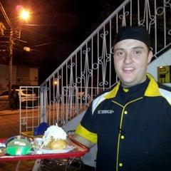 Photo taken at Hamburguesas El Garaje - Terrazas by Carlos P. on 9/2/2012