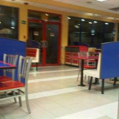 Photo taken at Burger King by Angelis D. on 3/11/2012