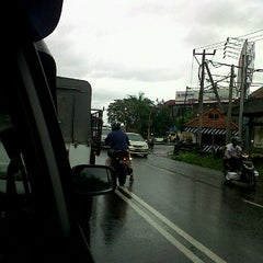 Photo taken at Jalan Mahendradata by anom s. on 3/20/2012