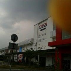 Photo taken at Tesco Extra by Atok P. on 8/16/2012
