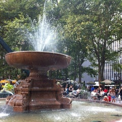 Photo taken at The Reading Room - Bryant Park by Kimberly B. on 7/24/2012