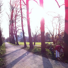 Photo taken at Park Frankendael by Juha v. on 3/24/2012