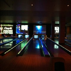 Photo taken at Lucky Strike Phoenix by Terry on 7/15/2012