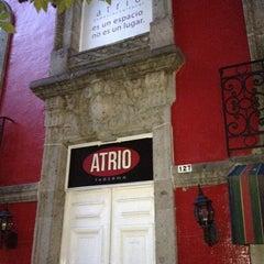 Photo taken at Librería El Ático by Krystoff  on 8/15/2012