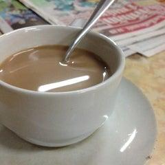 Photo taken at ร้านน้ำชา กาแฟ โกเต็ก by Benz L. on 3/4/2012