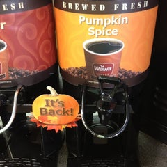Photo taken at Wawa Food Market #179 by Emma B. on 8/28/2012