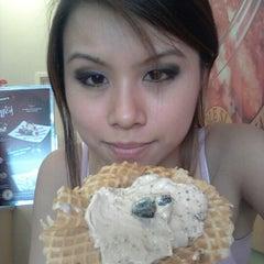 Photo taken at Marble Slab Creamery by Bonnie E. on 7/30/2012