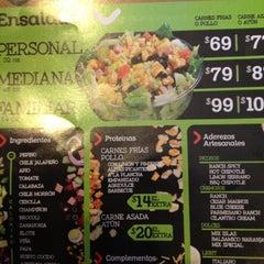 Foto tirada no(a) Mix Salads por Mafiashu em 6/16/2012