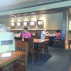 Photo taken at Red Lobster by robin on 8/3/2012