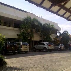 Photo taken at Hotel Merbabu by Agus Hendro G. on 8/25/2012