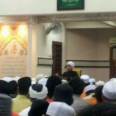 Photo taken at Surau Al Ikhwan by Akmal H. on 4/29/2012