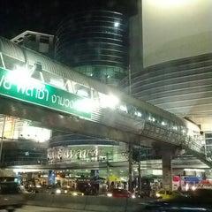 Photo taken at พันธุ์ทิพย์ พลาซ่า งามวงศ์วาน (Pantip Plaza Ngamwongwan) by noom t. on 6/18/2012