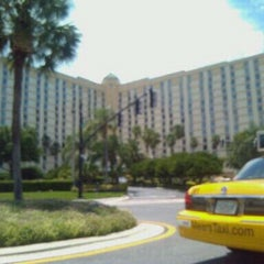 Photo taken at Rosen Centre Hotel by Josie V. on 8/2/2012