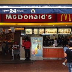 Photo taken at McDonald's by Chua Chuen Loy 蔡春来 on 7/10/2012