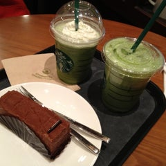 Photo taken at EDIYA COFFEE by 소라 on 3/26/2012