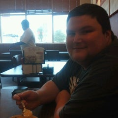 Photo taken at Bob Evans Restaurant by Cynthia K. on 7/1/2012