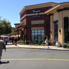Photo taken at Panera Bread by Giovanni B. on 6/1/2012