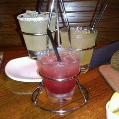 Photo taken at Outback Steakhouse by Diana H. on 8/4/2012