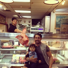 Photo taken at Fleisher's Grass-Fed and Organic Meats by michael k. on 5/12/2012