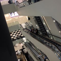 Photo taken at Bloomingdale's by David H. on 4/15/2012