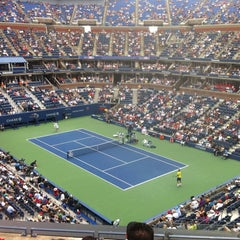 Foto tomada en Arthur Ashe Stadium - USTA Billie Jean King National Tennis Center  por Jthekid3 el 9/2/2012