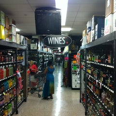 Photo taken at Spec's Wines, Spirits & Finer Foods by Jason F. on 3/31/2012