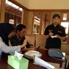 Photo taken at Cibiuk - Rumah Makan Khas Sunda by Eshape B. on 6/7/2012