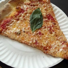 Photo taken at Best Pizza by Alan V. on 8/14/2012