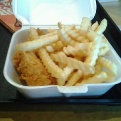 Photo taken at Raising Cane's Chicken Fingers by Samneang M. on 8/25/2012