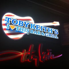 Photo taken at Toby Keith's I Love This Bar & Grill by Lisa D. on 6/22/2012