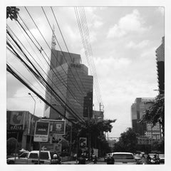 Photo taken at อาคารมาลีนนท์ (Maleenont Tower) by Korakan Y. on 7/5/2012