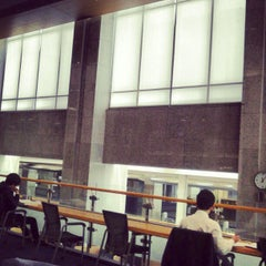 Photo taken at 연세대학교 삼성학술정보관 (Yonsei University Samsung Library) by Seokha R. on 4/27/2012