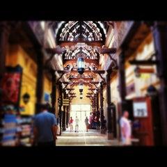 Photo taken at Souk Madinat Jumeirah سوق مدينة جميرا by Pinay Flying H. on 6/2/2012